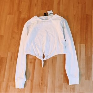 forever 21 white cropped tied long sleeve tee